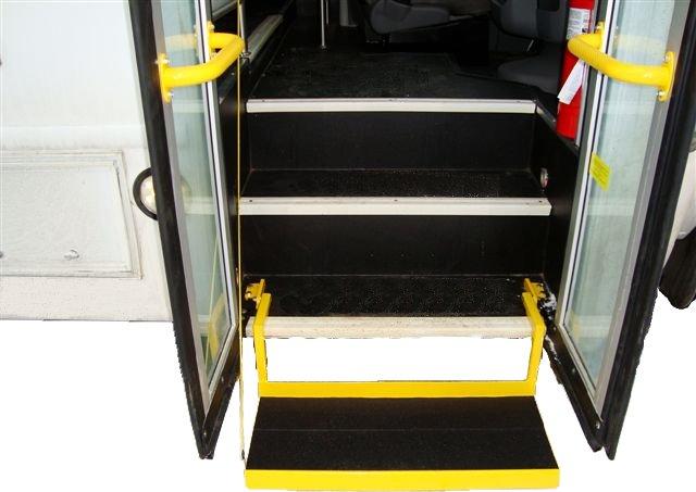 Paratransit-and-Senior-Bu-Lift